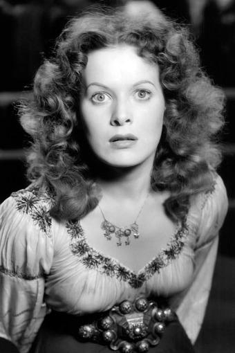 Maureen O'Hara (1920 - 2015) dans le rôle d'Esmeralda (Quasimodo, de William Dieterle, 1939)