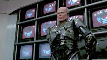50% homme, 50% machine, 100% flic ! Depuis le début des années 2000, Robocop veille sur la ville de Détroit.